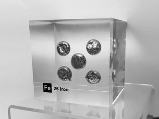 Acrylic Element cube - - Iron Fe - 50mm