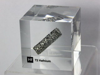Acrylic Element cube - Hafnium Hf - 50mm