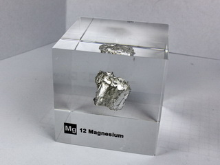 Acrylic Element cube - Magnesium Mg - 50mm