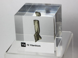 Acrylic Element cube - Ytterbium Yb - 50mm